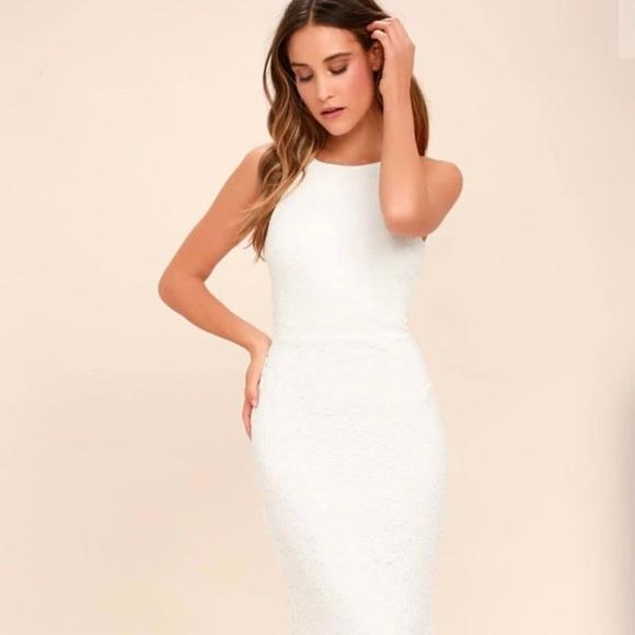 Lulu's Dresses & Skirts - Lulus white beautiful maxi dress NWT